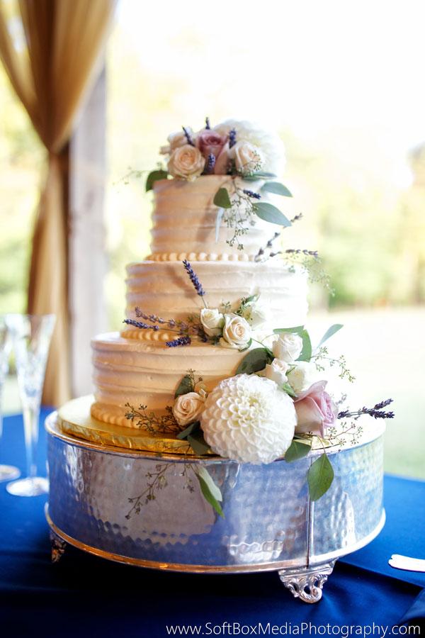 Earthy Wedding Cake Flavors