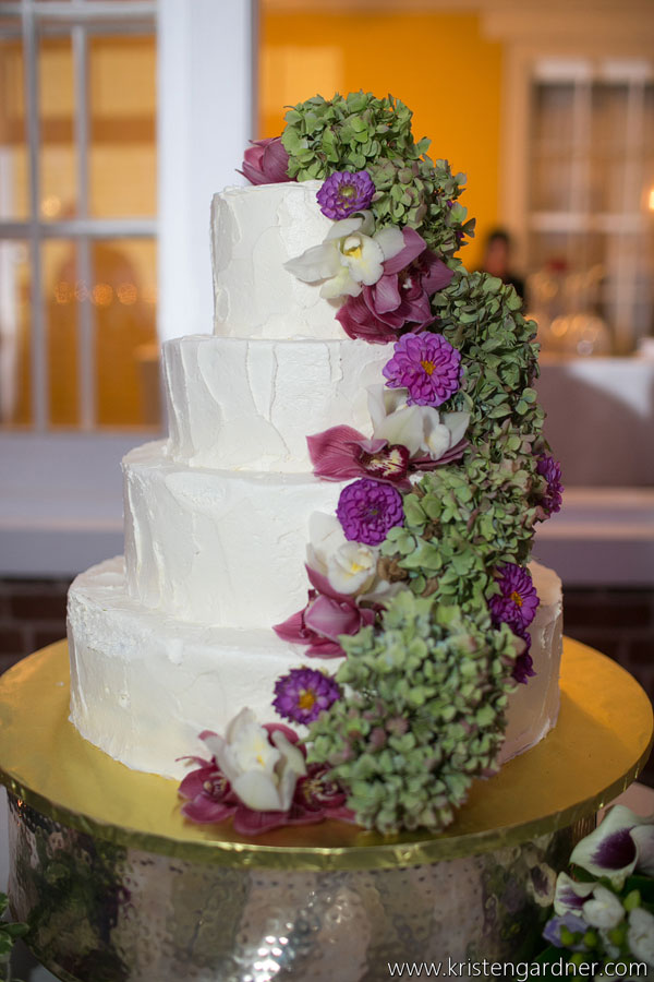 Delicious Vanilla Floral Wedding Cake